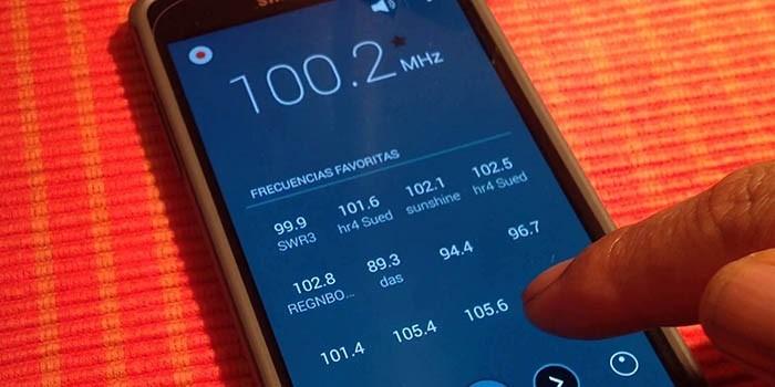 Cómo instalar y escuchar la radio en Samsung Galaxy S6, S7, S8, S9 y S10 2