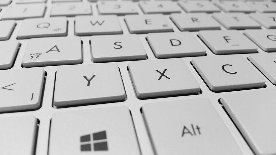 Cómo escribir una O con una barra [Ø] 1