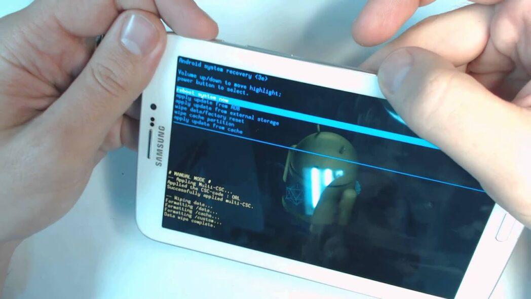 como restablecer un telefono o tableta samsung con android