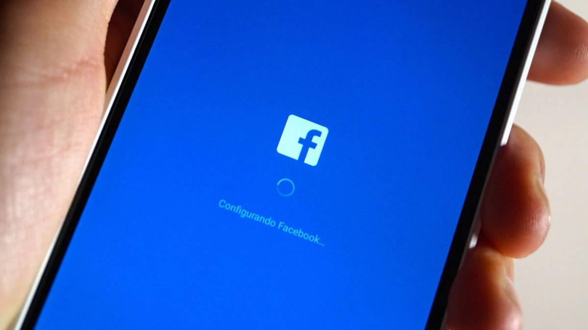 la aplicacion de facebook no funciona y muestra un error en android