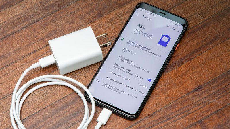 asegurese de que el cable este cargando su telefono inteligente correctamente android