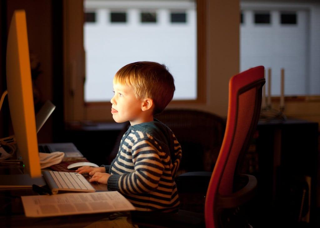 control y restriccion del uso de la computadora por parte de los ninos